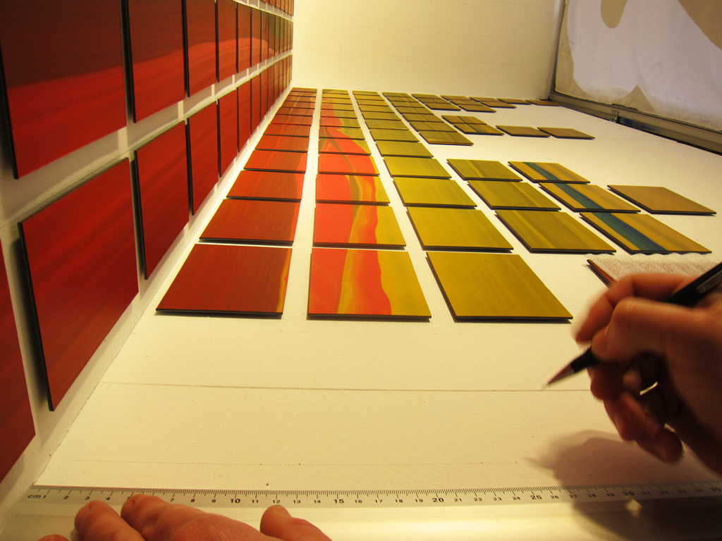 "Montaje de la obra ""Window Color Chart"". Nico Munuera 2015."